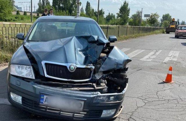 В Кривом Роге пьяный водитель врезался в машину скорой